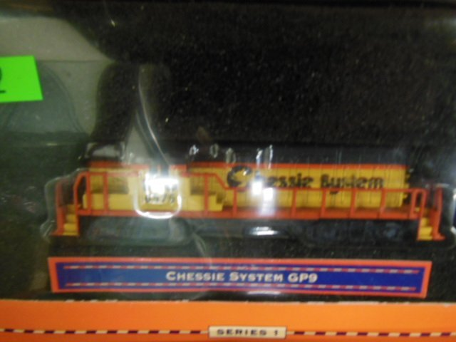 2 Lionel H-O Series I Engines - 3