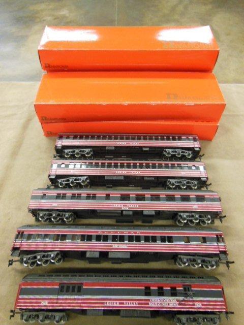 Rivarossi 5 Piece H-O Train Car Set