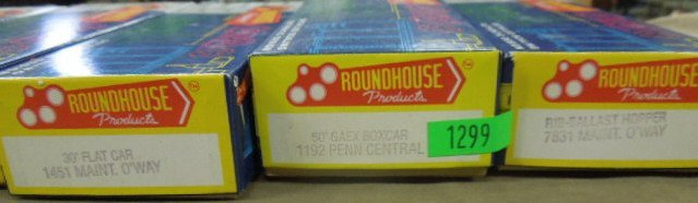 7 Roundhouse H-O Train Model Kits - 4