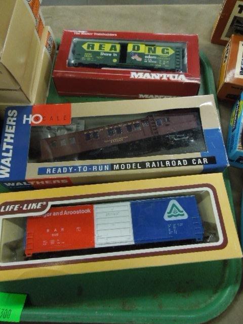Assorted H-O Train Model Kits & Cars - 4