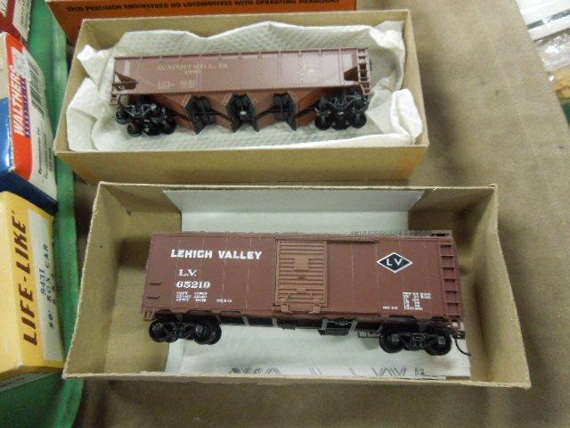 Assorted H-O Train Model Kits & Cars - 5