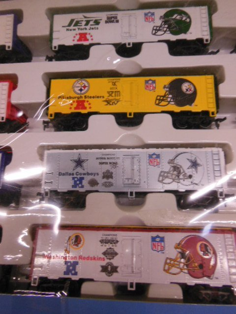 H-O Super Bowl Express Train Set - 3
