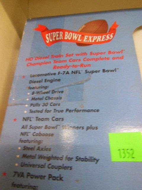 H-O Super Bowl Express Train Set - 7