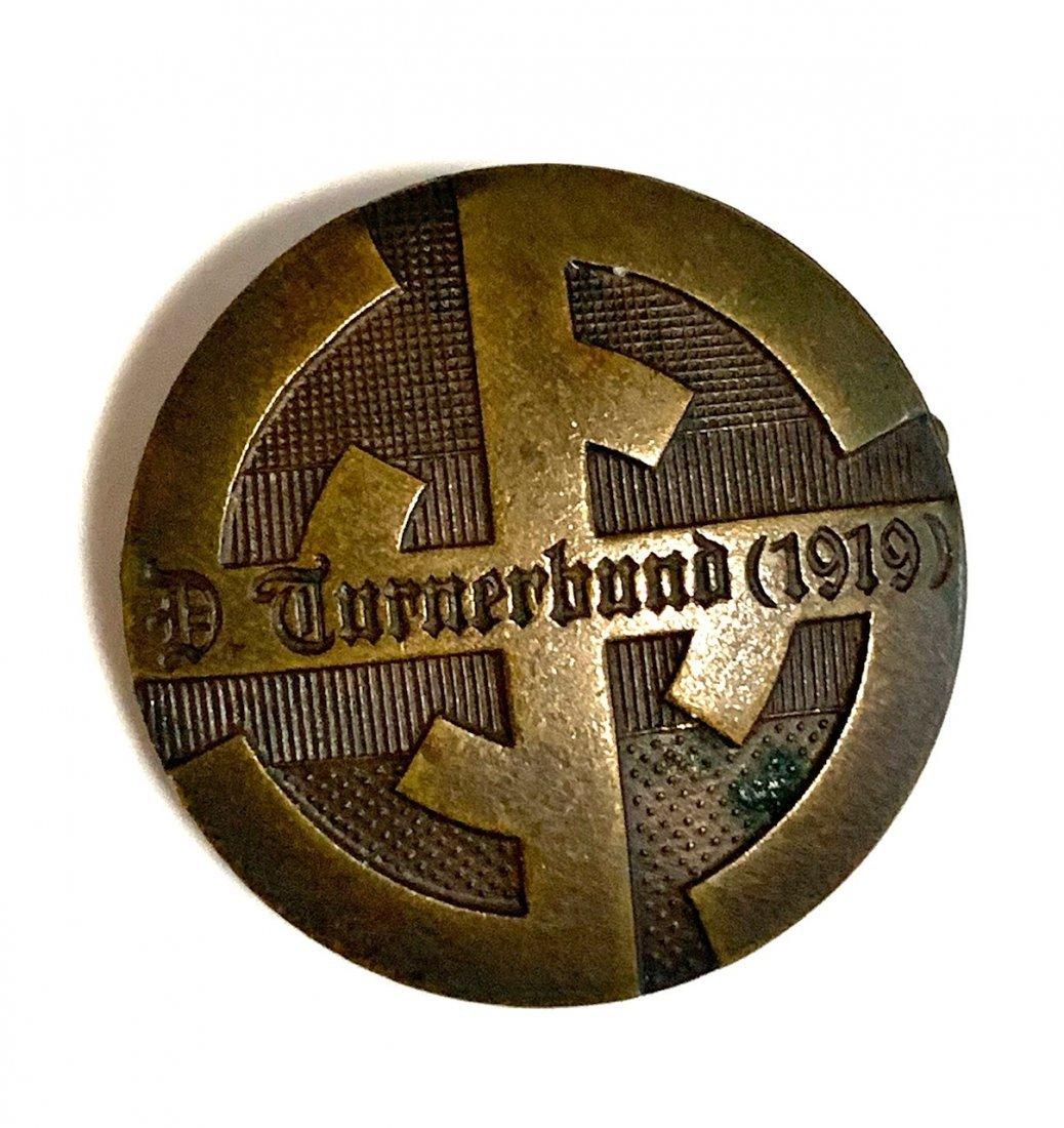 A 1919 GERMAN GYMNASTICS ASSOCIATION MEMBERSHIP BADGE
