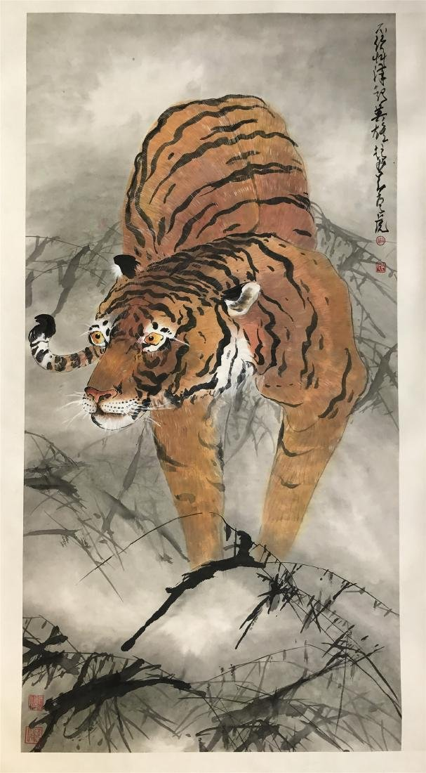 CHINESE SCROLL PAINTING OF TIGER