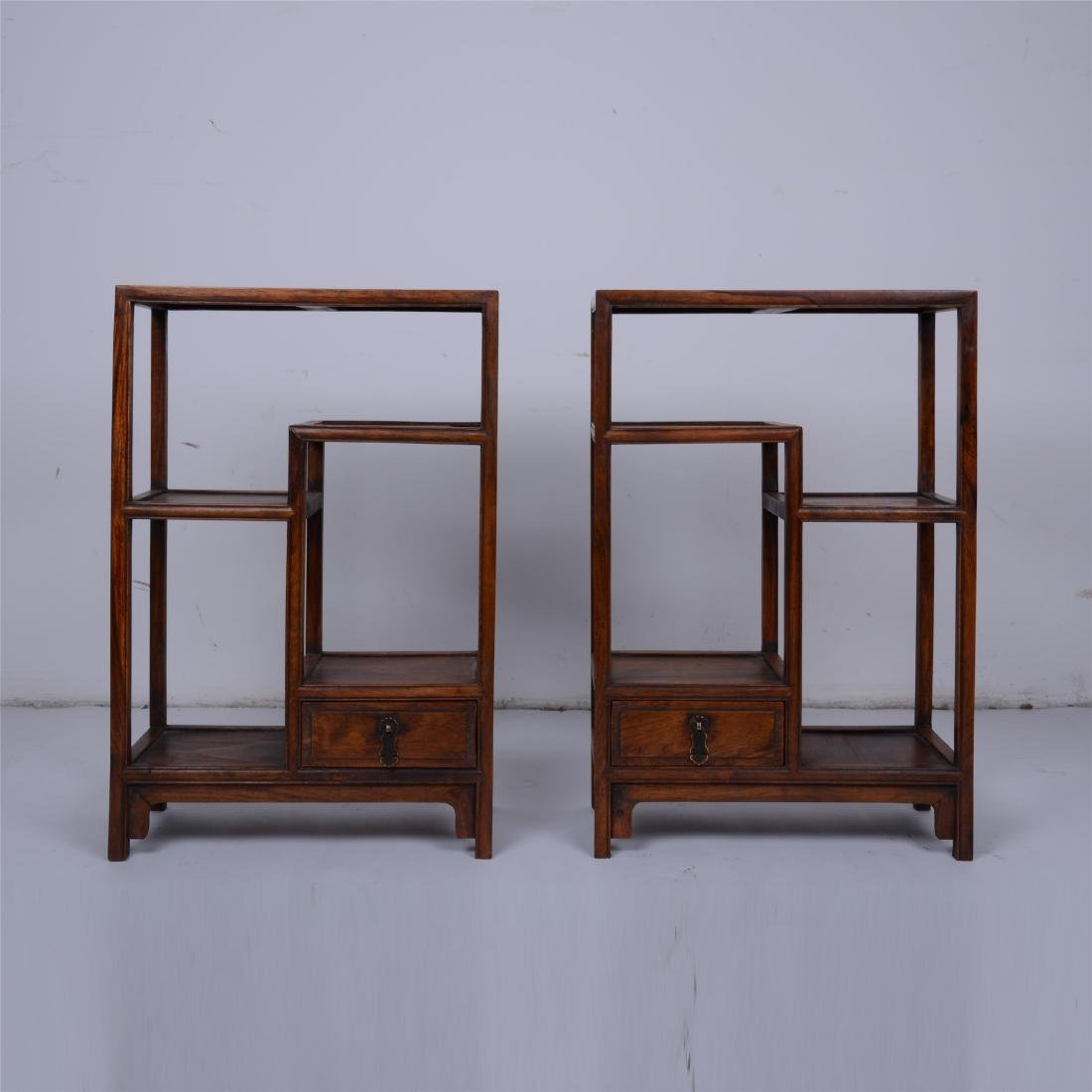 CHINESE ROSEWOOD ANTIQUE SHOW CASE
