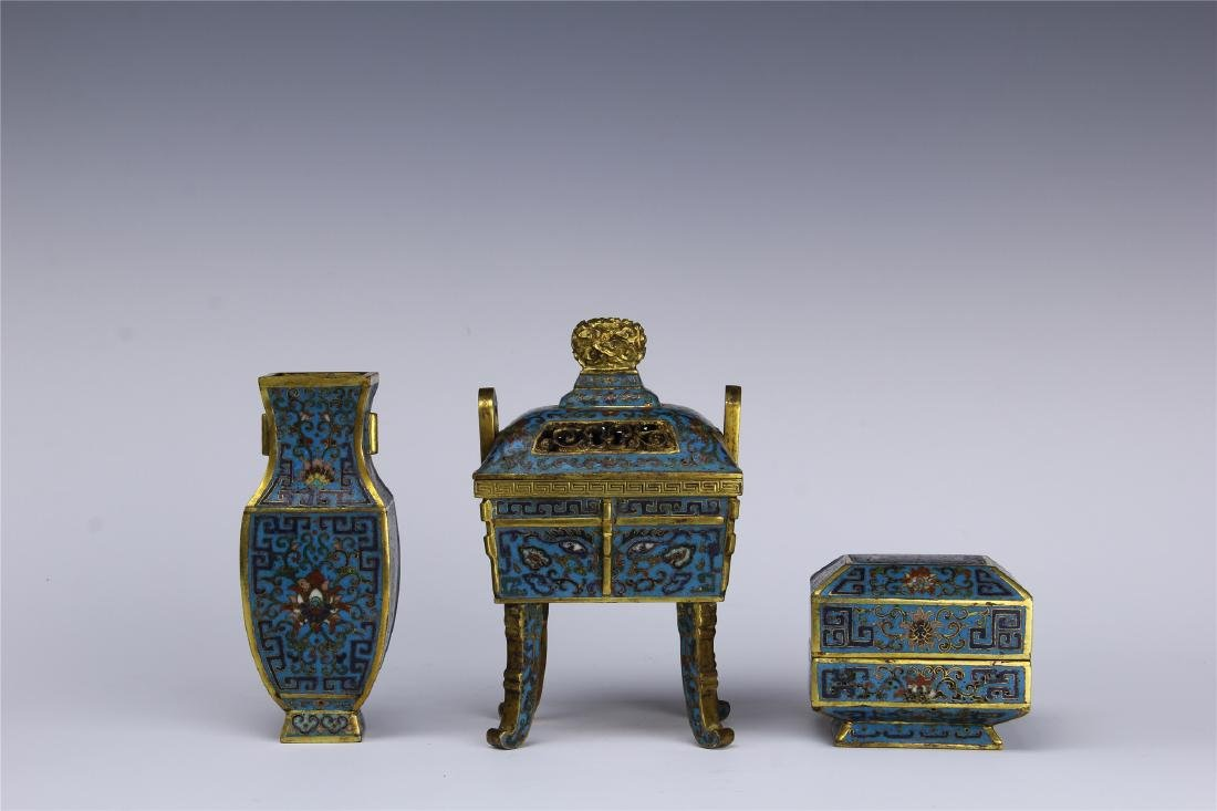 THREE PIECES OF CHINESE CLOISONNE VESSELS VASE CENSER