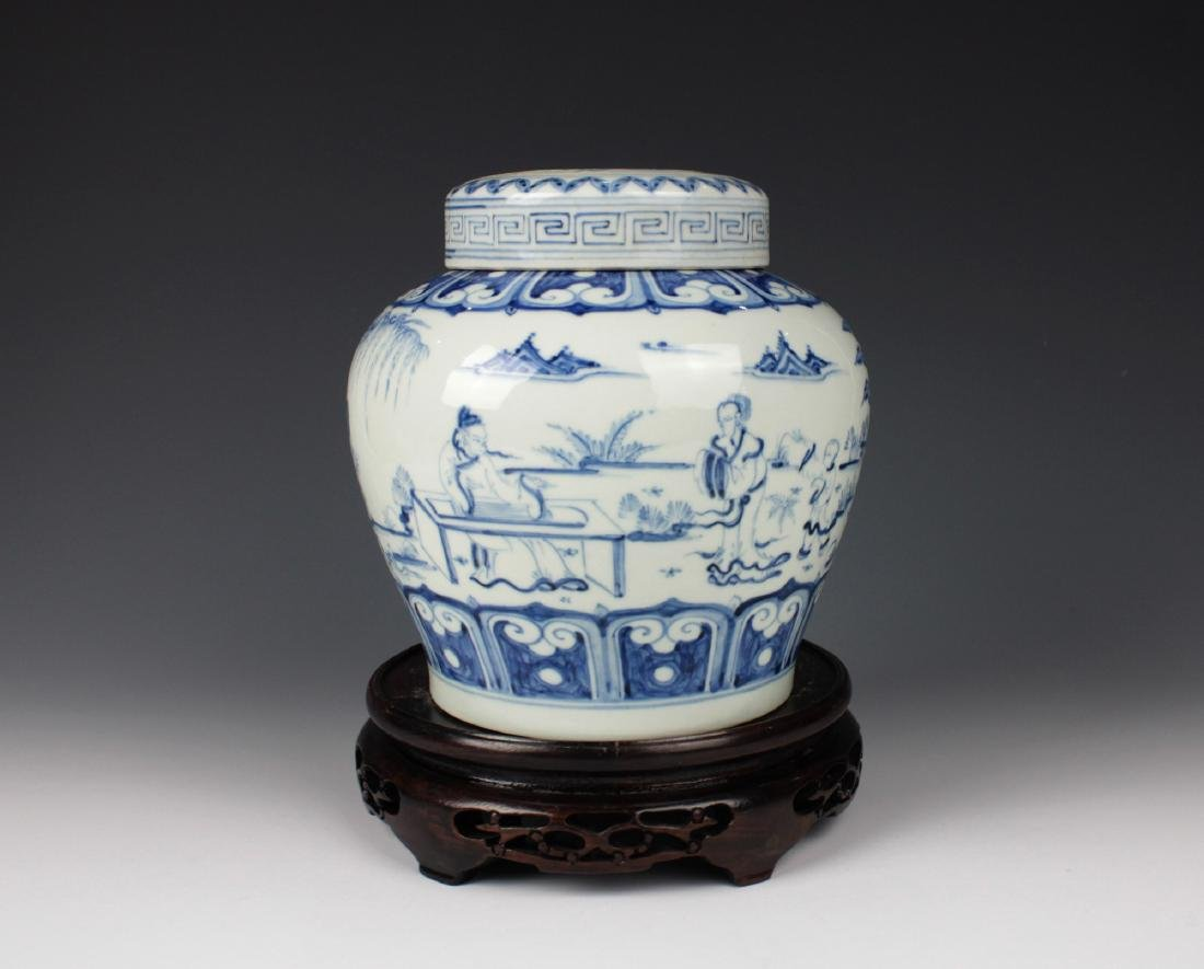 CHINESE PORCELAIN BLUE AND WHITE FIGURE LIDDED JAR