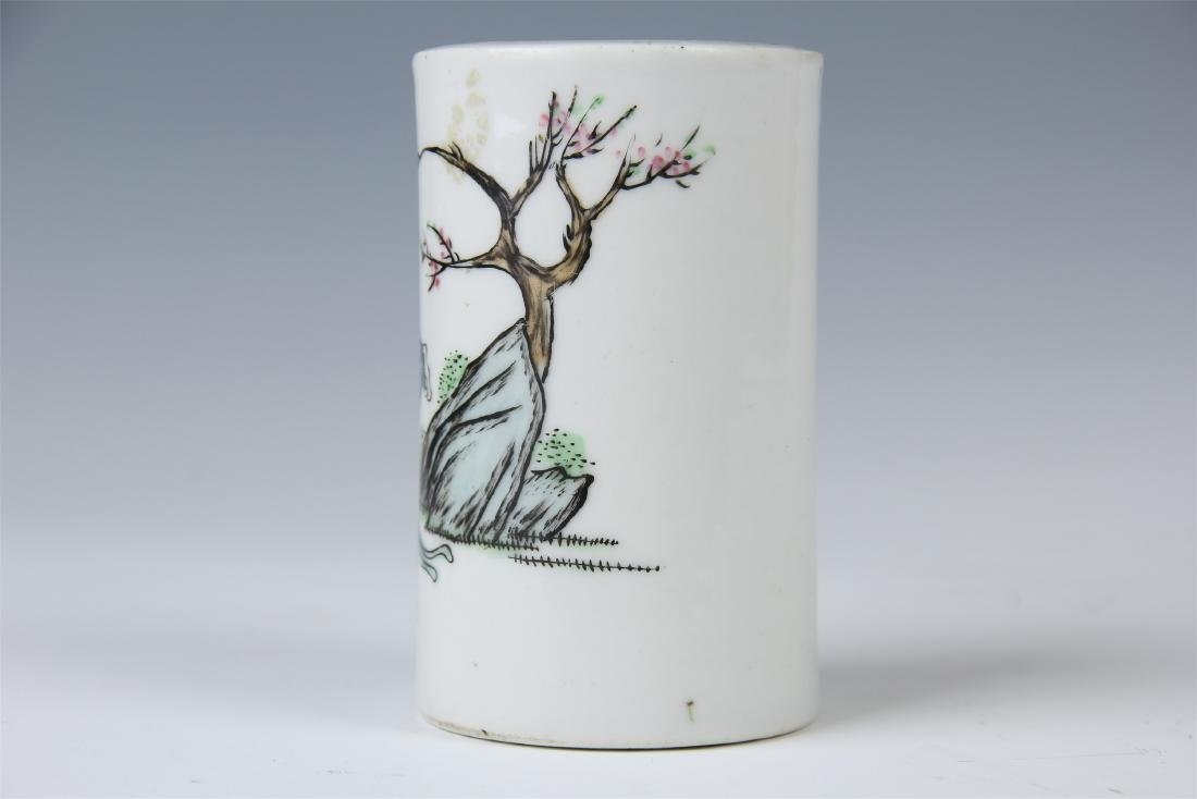CHINESE PORCELAIN FAMILLE ROSE BRUSH POT - 3