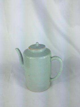 Chinese White Glazed Cylindrical Tea Pot Early 19thc