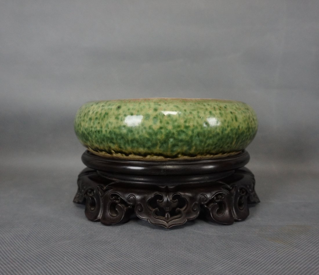 CHINESE PORCELAIN GREEN GLAZED BRUSH WASHER WITH STAND