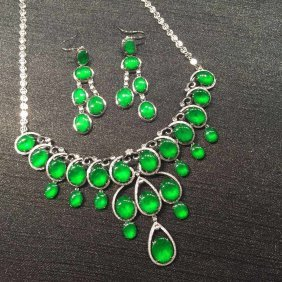 Set Of 18k Gold Diamond Natural Jadeite Necklace And