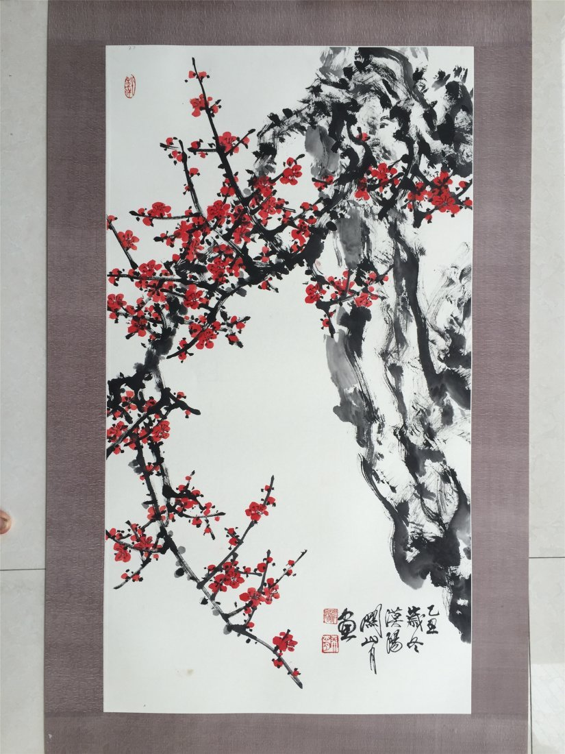 CHINESE SCROLL PAINTING OF PLUM TREE