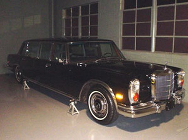 724: 1970 Mercedes-Benz 600 Pullman 4-Door