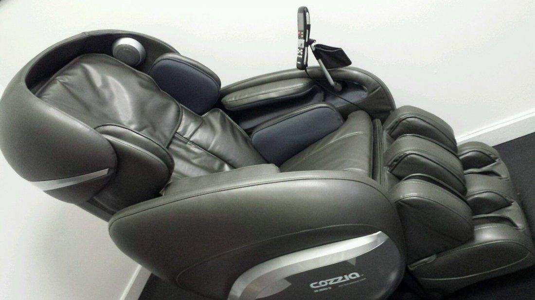 3 D 0 Gravity Pro High Tech Massage Chair Cozzia 389