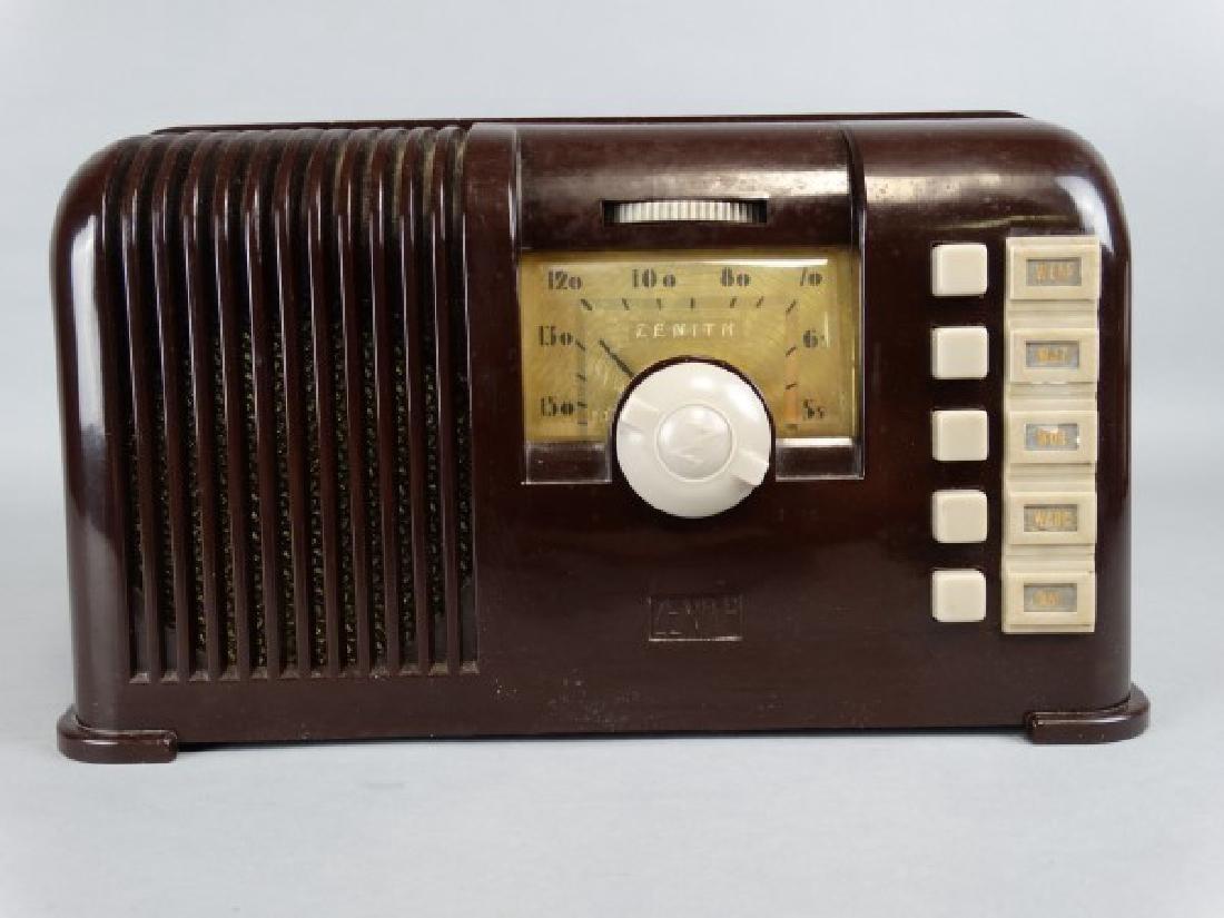 Vintage Zenith Bakelite Tube Radio - 2