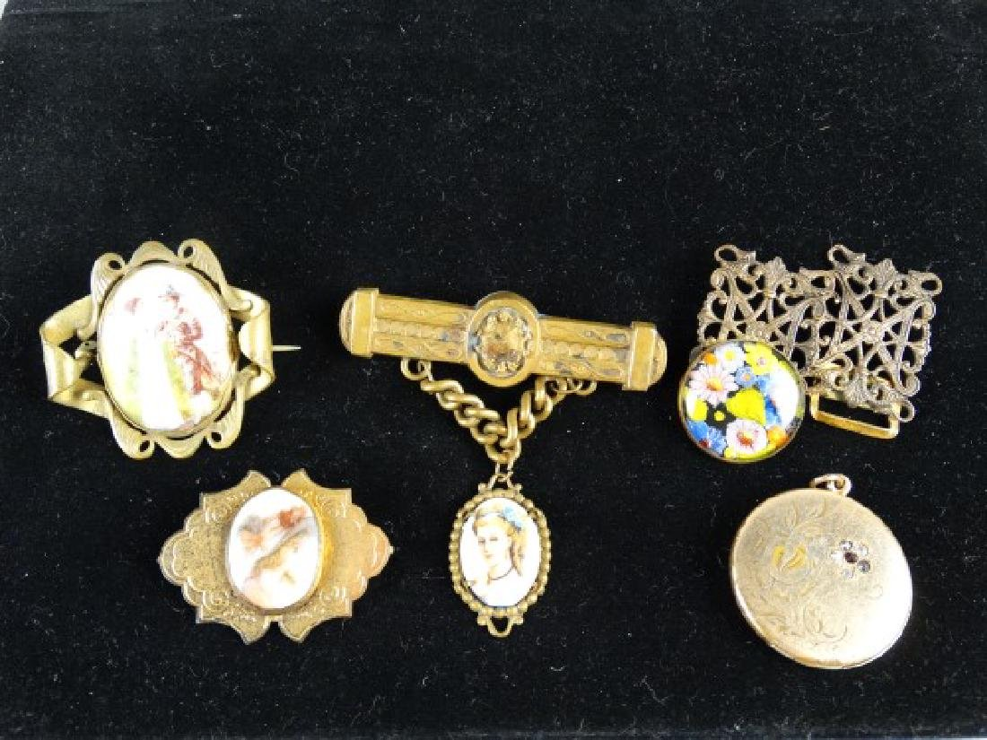 Group of 6 Ladies Victorian Style Jewelry Items