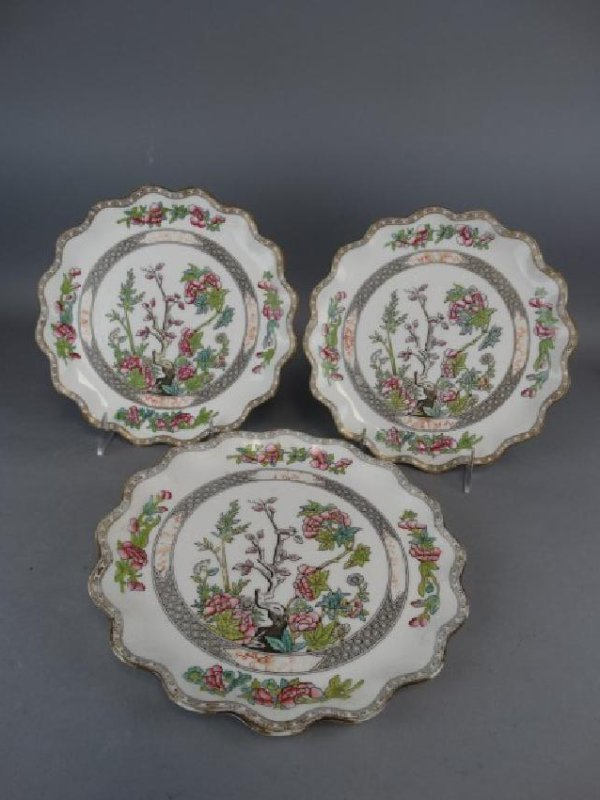 3 Coalport 'Indian Tree' Scallop Edged Plates