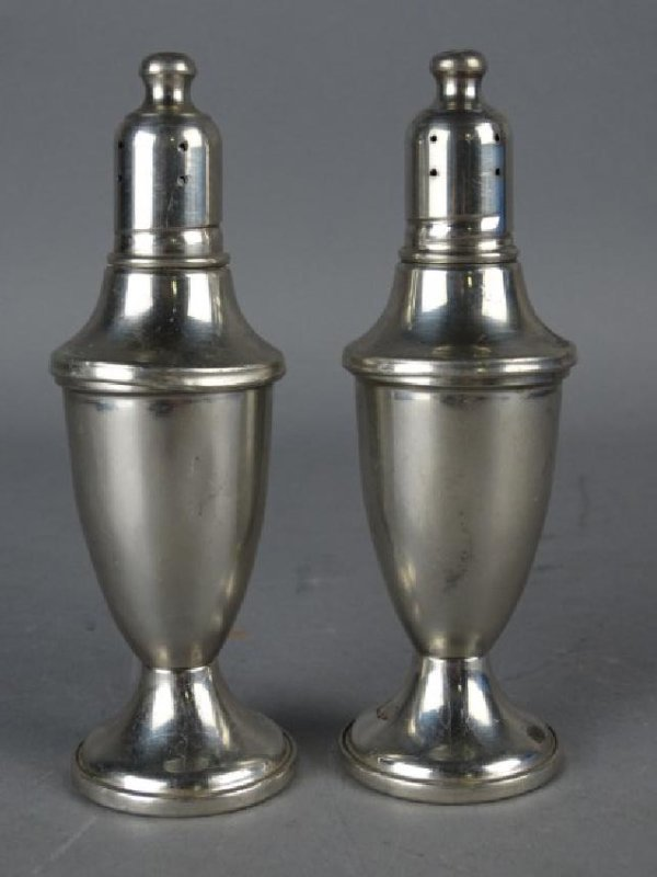 Web Weighted Pewter Shaker Set