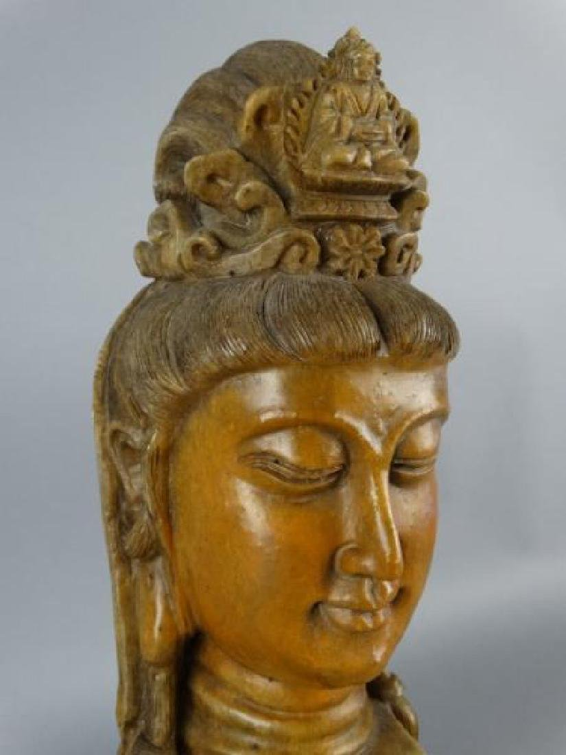 Chinese Carved Shoushan Stone Guanyin on Base - 4