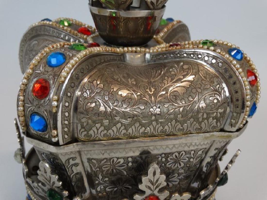 Beautiful Crown Jewelry & Music Box - 3