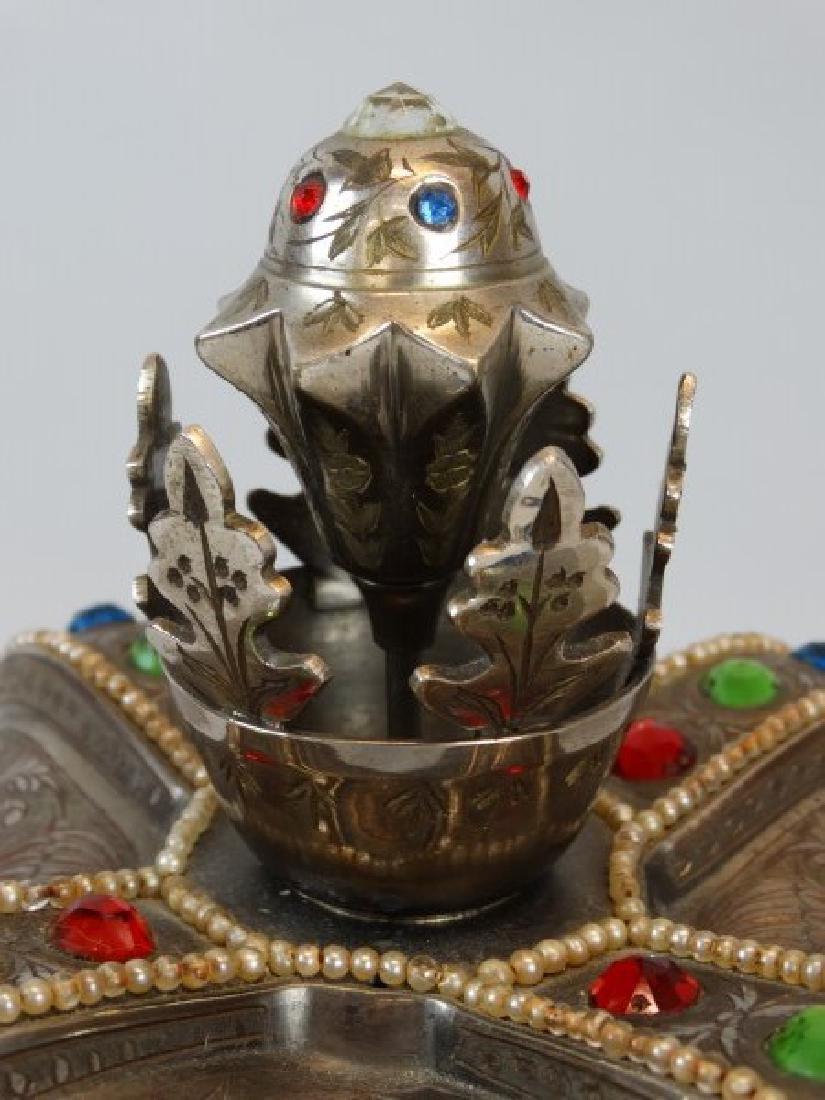 Beautiful Crown Jewelry & Music Box - 4