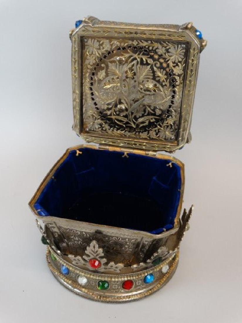 Beautiful Crown Jewelry & Music Box - 5