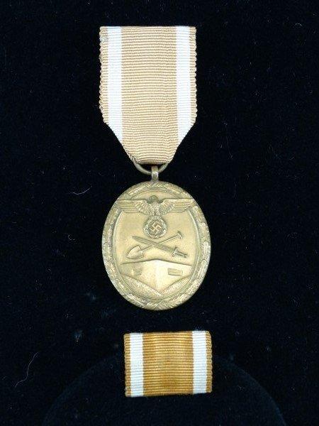 WW II Nazi East Wall Medal & Ribbon