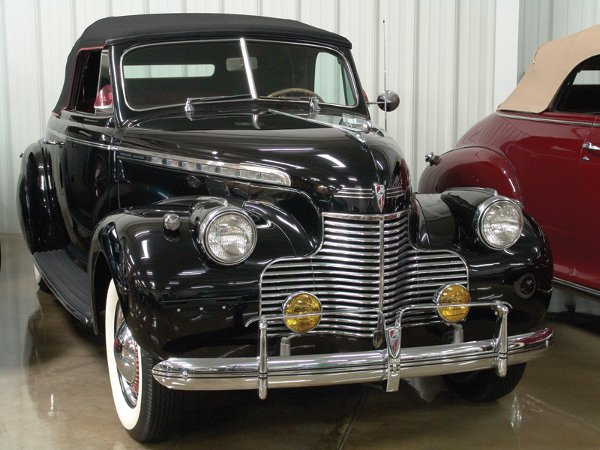 711: 1940 Chevy Special Deluxe KA Six Cvt Coupe - NR