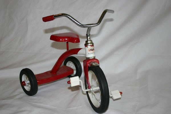 6: FLEXIBLE FLYER TOY TRICYCLE
