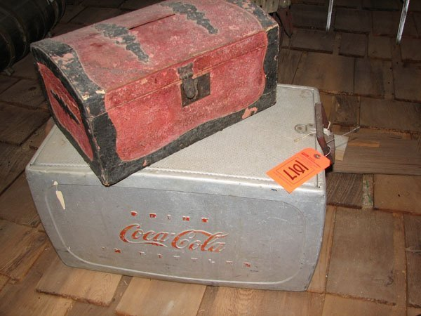 1017: SMALL WOODEN CHEST AN ALUMINUM COCA COLA COOLER