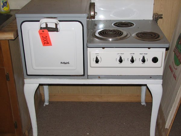 2002: HIGHPOINT ELECTRIC OVEN W/ 3 BURNER STOVE, METAL