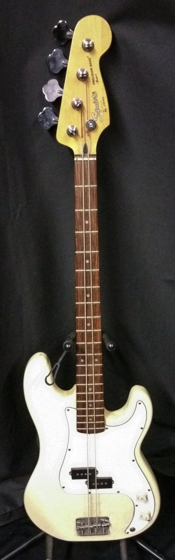 FENDER SQUIER PRECISION ELECTRIC BASS