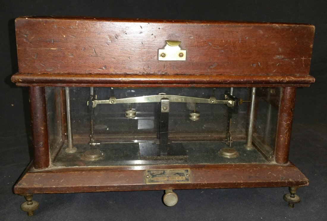 19TH CENTURY APOTHECARY SCALE: HENRY TROEMNER MODEL 545