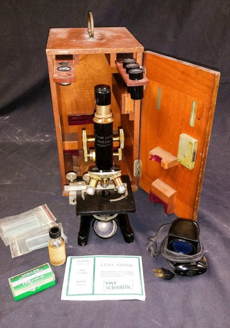ANTIQUE ERNST LEITZ WETZLAR MICROSCOPE NO. 292730