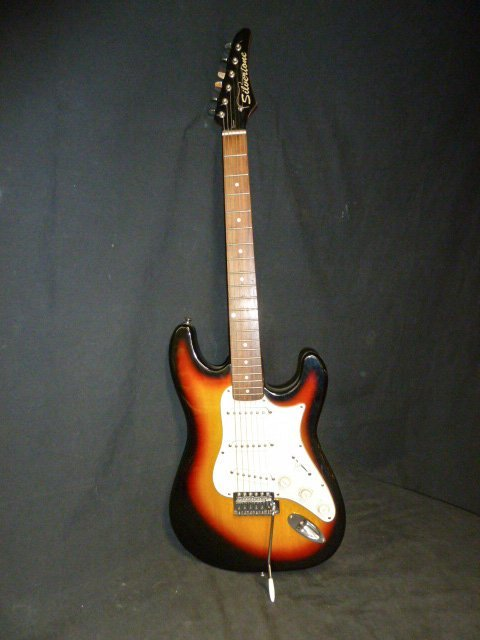 Silvertone Guitar Model SS-10 - 3