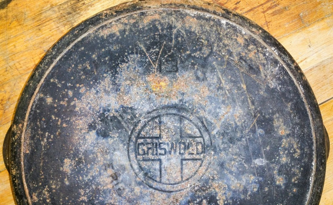 RARE GRISWOLD NO.13 CAST -IRON SKILLET WITH #13 LID - 4