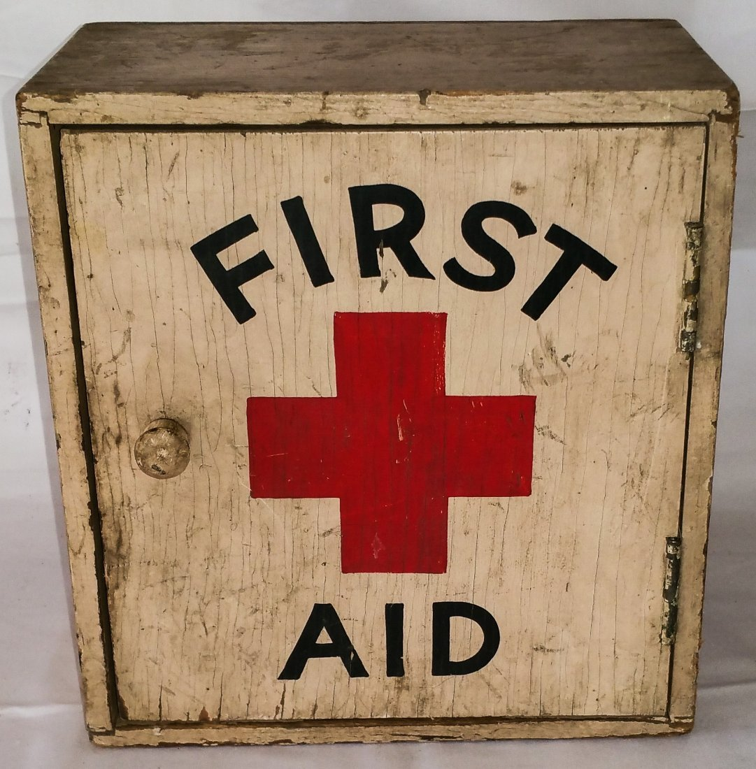 VINTAGE WOOD FIRST AID WALL BOX