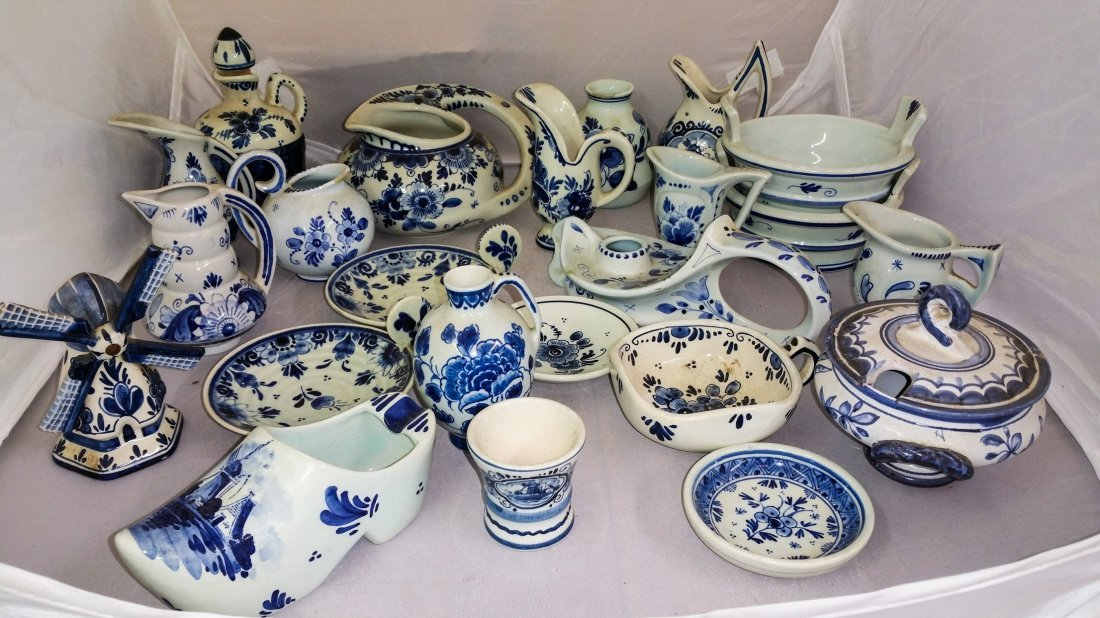 TWENTY THREE PIECE VINTAGE DELFT LOT