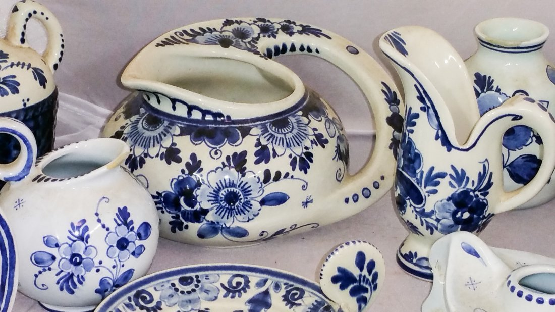 TWENTY THREE PIECE VINTAGE DELFT LOT - 2