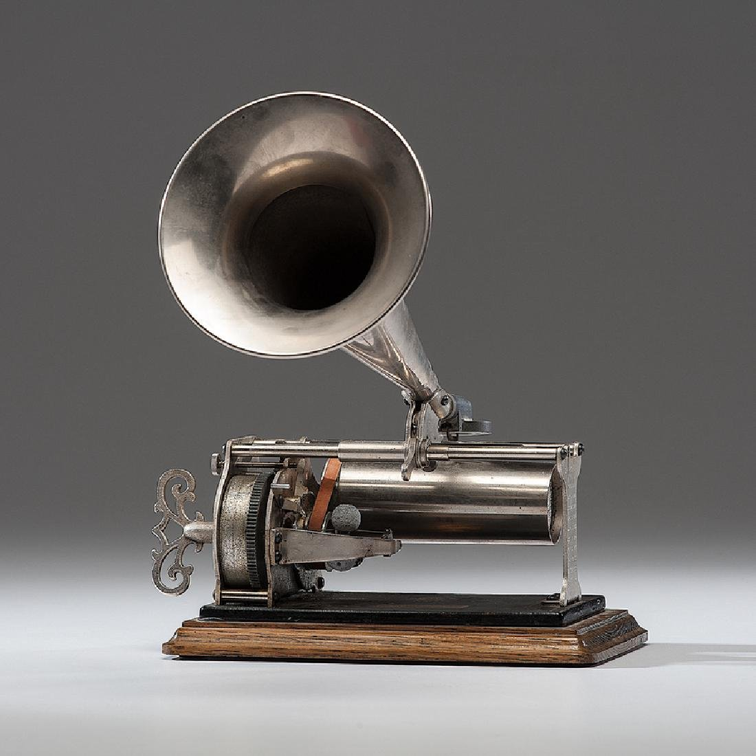Columbia Type Q Graphophone with Cylinders in Case