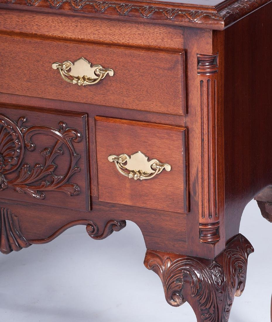 Chippendale-style Dressing Tables - 3