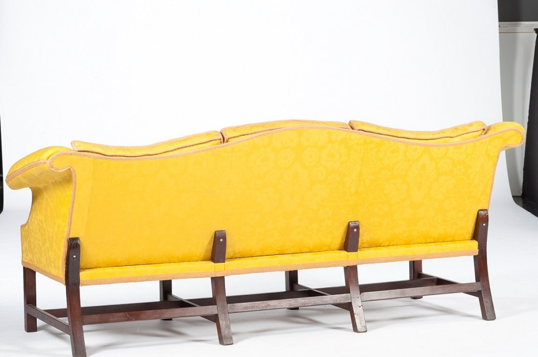 Rare Chippendale Camelback Sofa With Removable Back - 2