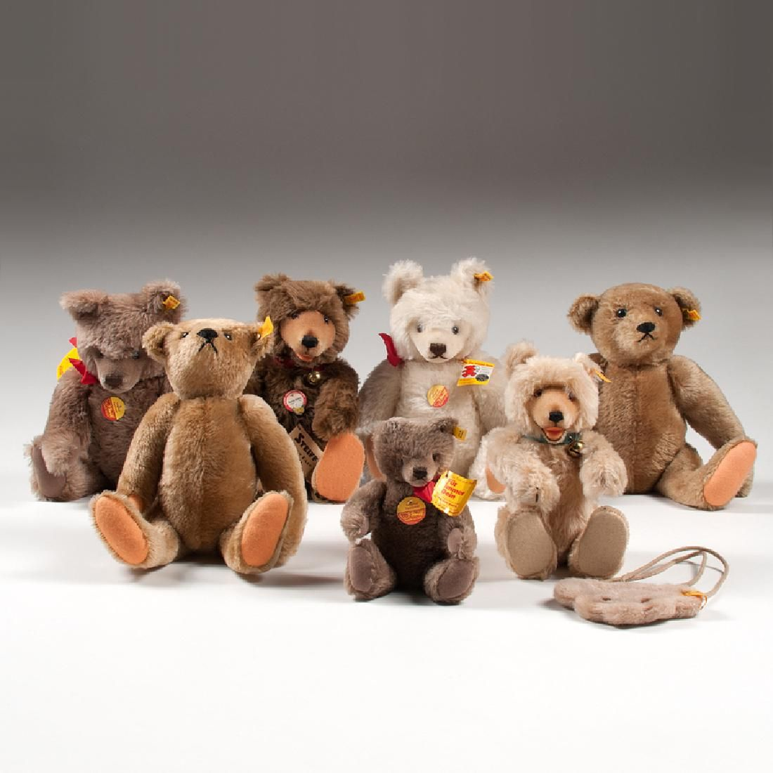 Steiff Reproduction Teddy Bears, Plus, Lot of Eight