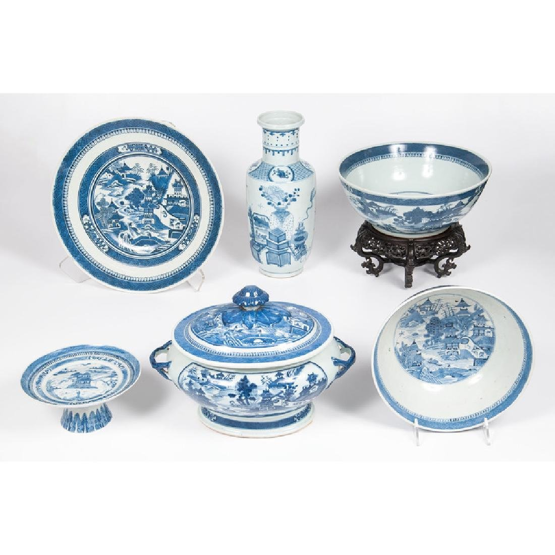 Chinese Export Nanking Tureen and Trays