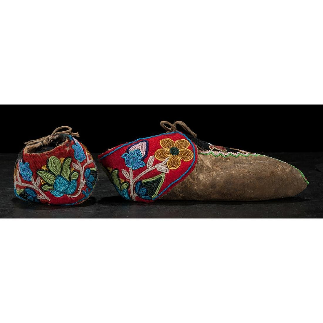 Anishinaabe Beaded Hide Moccasins - 2