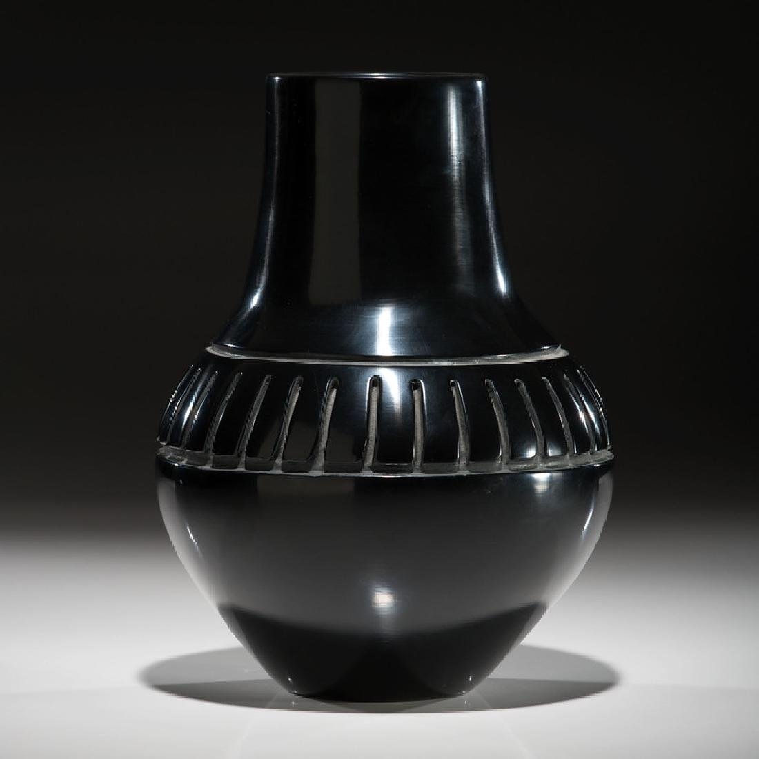 Mela Youngblood (Santa Clara, 1931-1991) Blackware