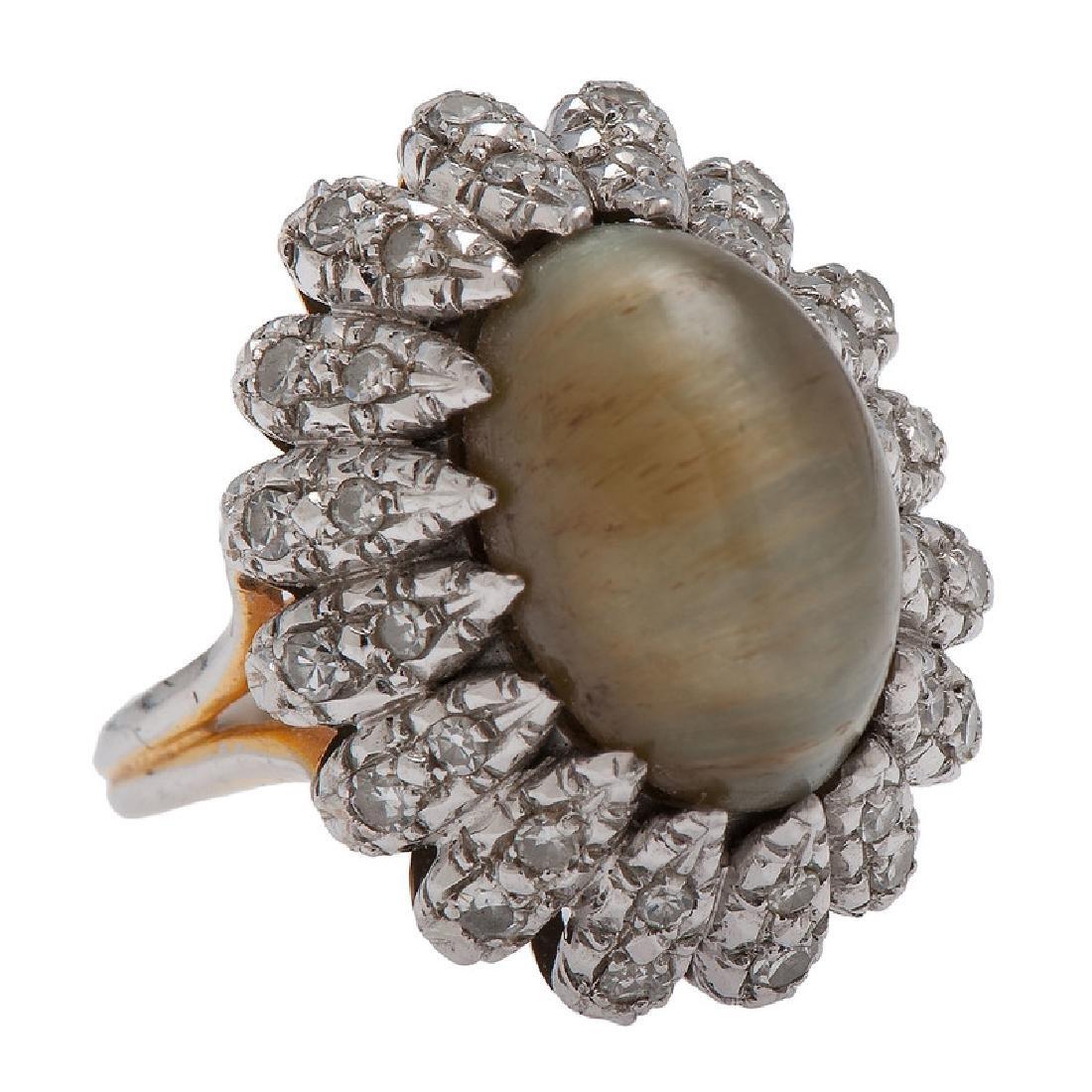 14 Karat Gold Cat's Eye Chrysoberyl Diamond Ring