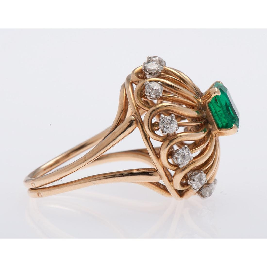 Mellerio 18 Karat Yellow Gold Emerald and Diamond Ring - 2