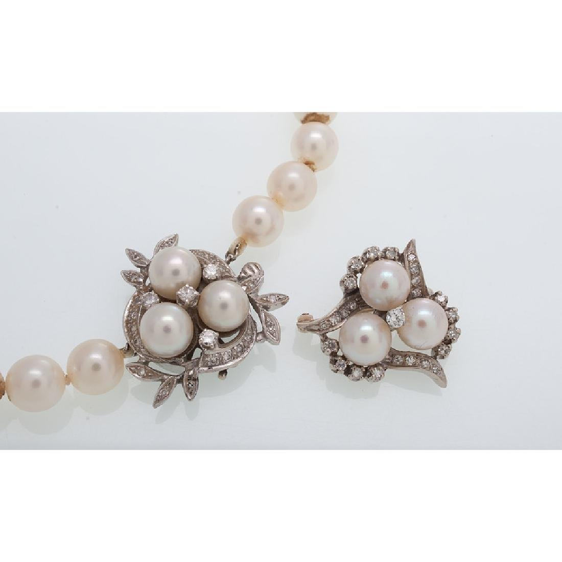 14 Karat White Gold Pearl Necklace and Brooch - 4